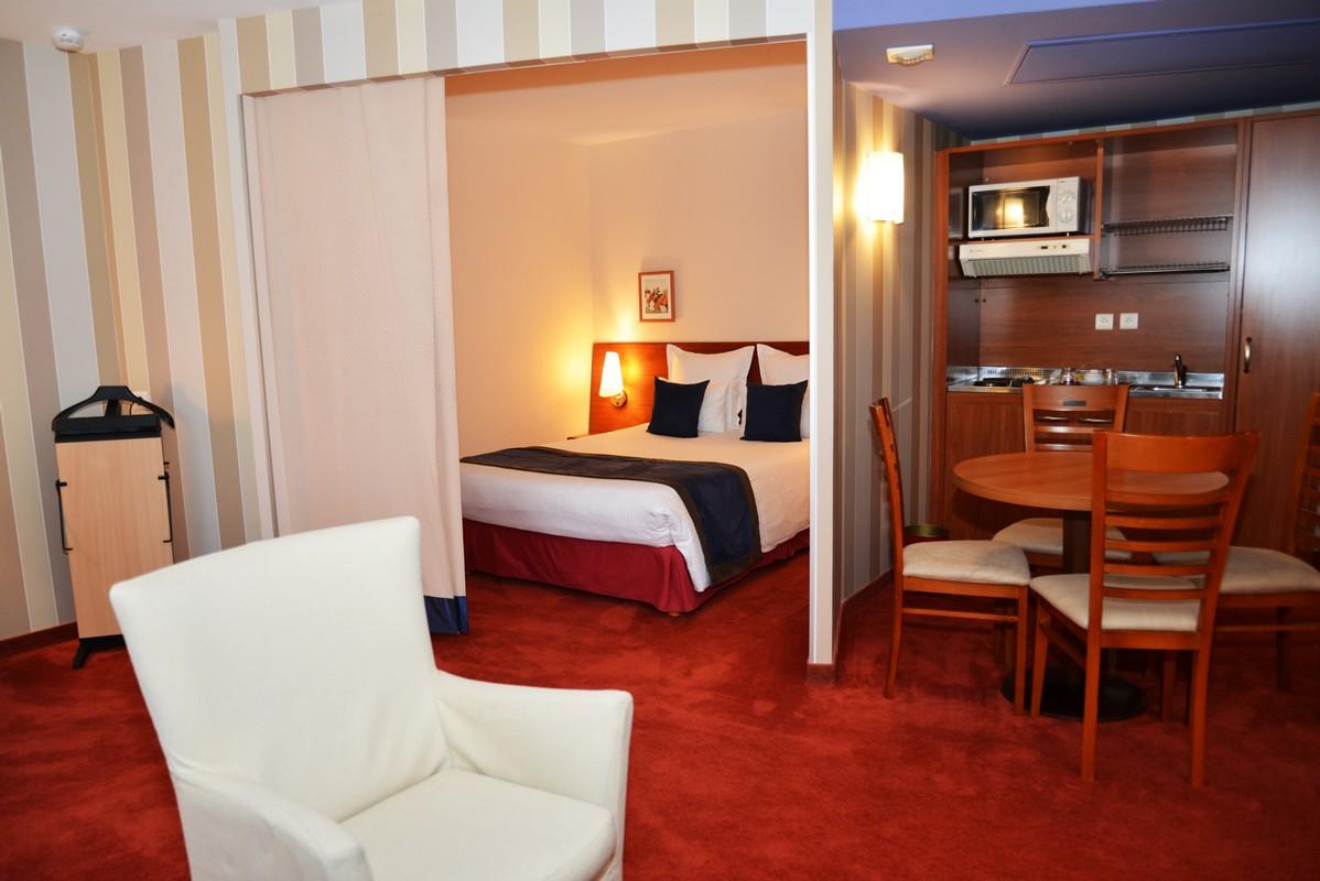 location appartement paris emm nagez dans le 14 me arrondissement. Black Bedroom Furniture Sets. Home Design Ideas