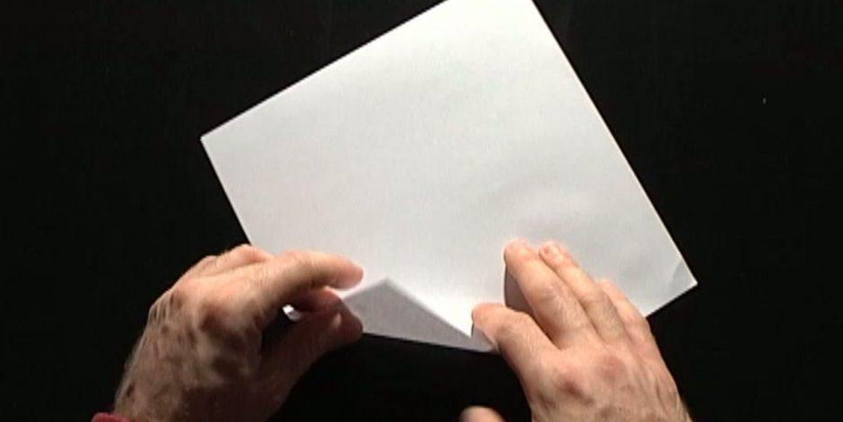 Comment faire un hélicoptère en papier ?